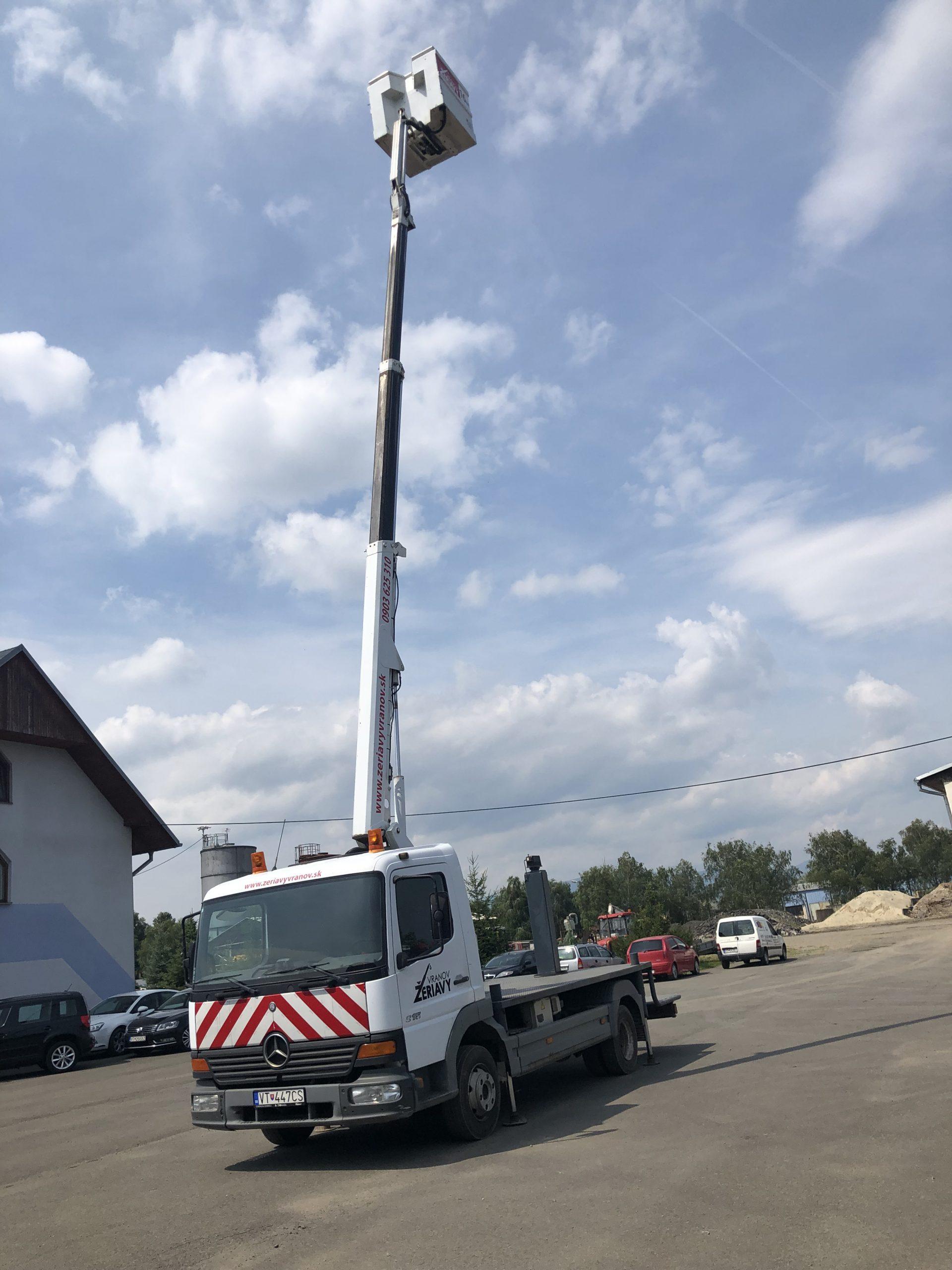 Mercedes benz Atego  - dosah 16 metrov  - nosnosť koša 200kg